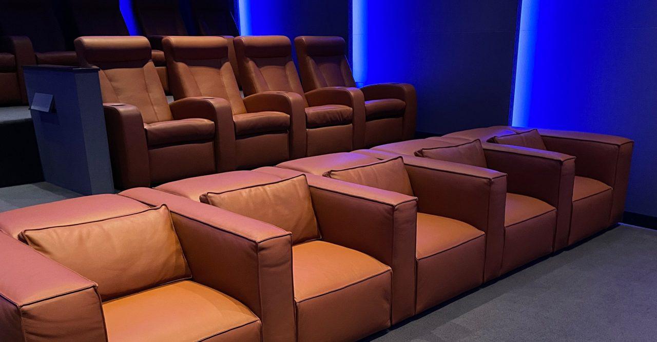 Luxury screening room Four Seasons Los Angeles Cineak seating